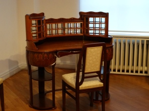 A stunning Jugendstil desk and chair at the Broehan Museum in Charlottenburg.