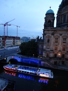 A tour boat on the Spree, right below our hotel