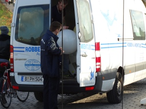 This being Germany, there is a van patrol organized to replace missing or defective balloons.